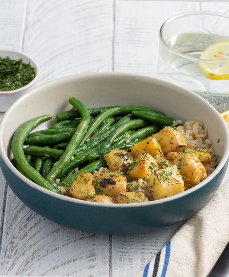 Cooked green beans with potatoes